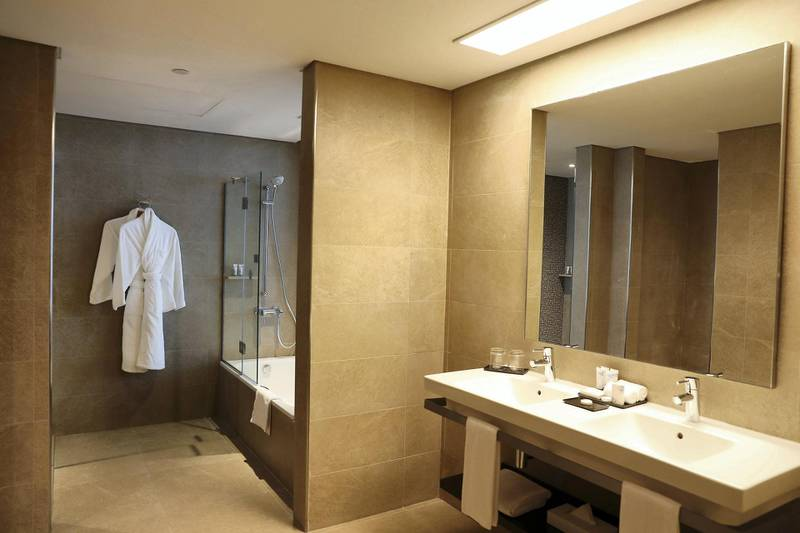 DUBAI, UNITED ARAB EMIRATES, December 10 – Bathroom at the Junior suite at the RIU hotel on Deira Island in Dubai. (Pawan Singh / The National) For News/Lifestyle/Online/Instagram. Story by Kelly