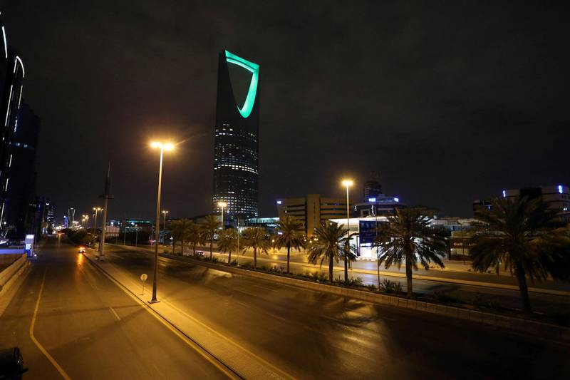 A general view shows an empty street after a curfew was imposed to prevent the spread of the coronavirus disease (COVID-19), in Riyadh, Saudi Arabia March 24, 2020. Picture taken March 24, 2020. REUTERS/Ahmed Yosri