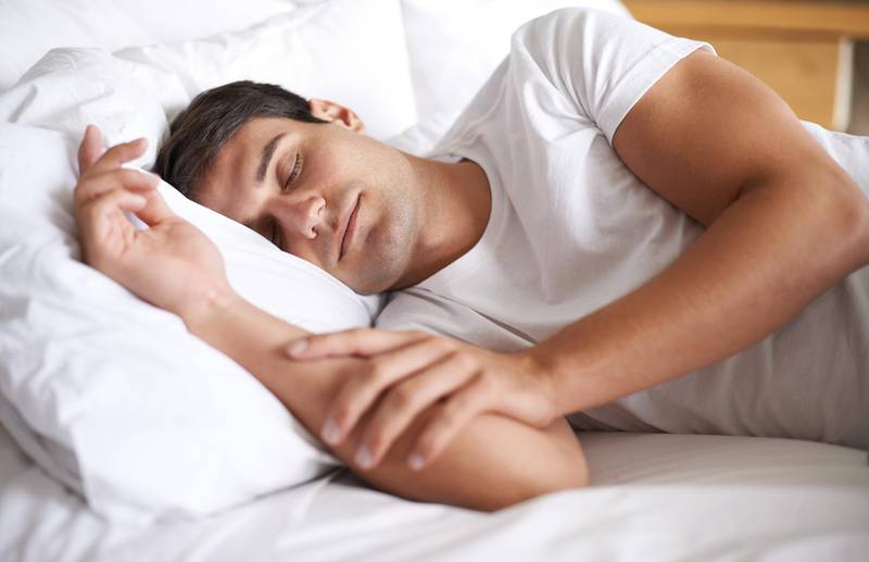 Shot of a young man sleeping in bed (Getty Images) *** Local Caption ***  hl16ju-tips-sleep-p23.jpg