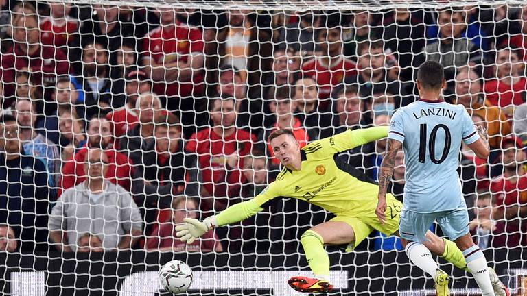 An image that illustrates this article Trophy 'hunt will keep going' says Solskjaer, as Manchester United exit cup