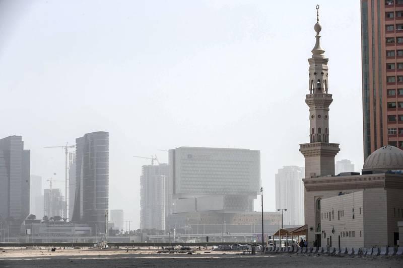 DUBAI, UNITED ARAB EMIRATES. 05 JANUARY 2020. Hazy and dusty weather building over the Abu Dhabi skyline on Al Maryah Island. (Photo: Antonie Robertson/The National) Journalist: None. Section: National.