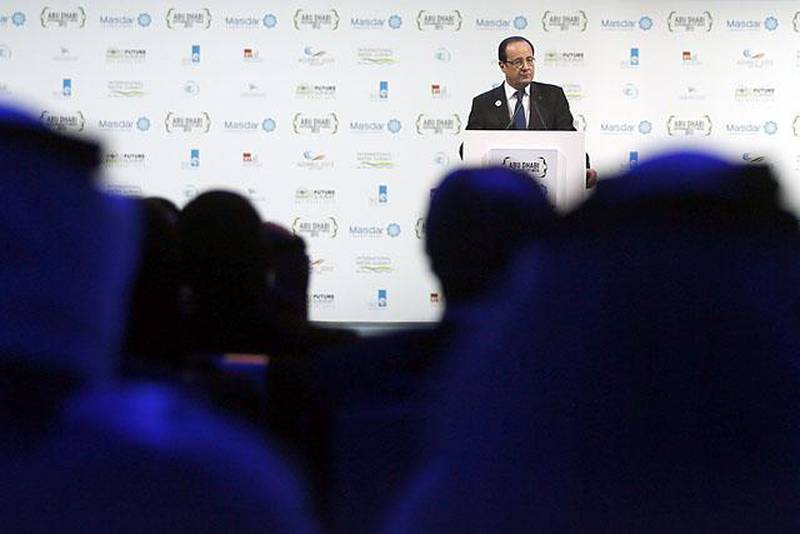 France's President Francois Hollande delivers a speech at the opening ceremony of the World Future Energy Summit (WFES) in Abu Dhabi on January 15, 2013. AFP PHOTO/KARIM SAHIB