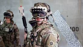 US army pushes back date on multibillion-dollar Microsoft goggle deal