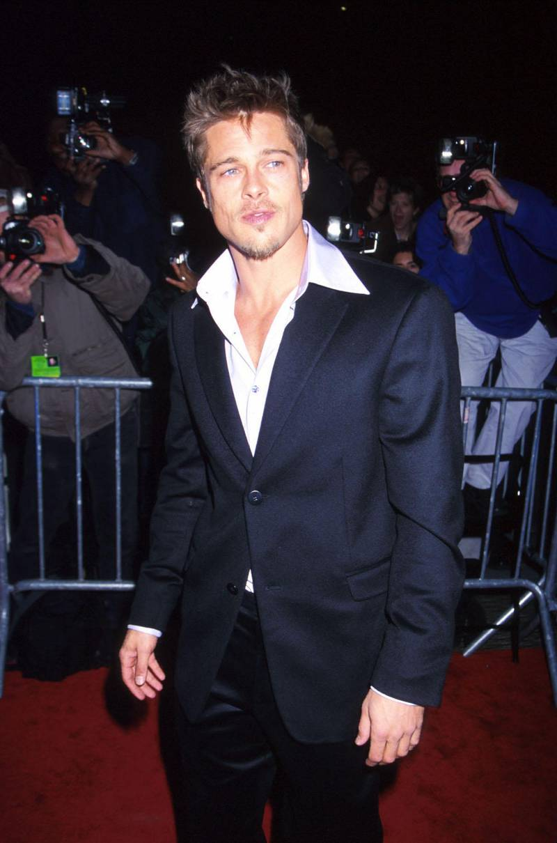 """FILE PHOTO: Brad Pitt arrives for the """"Meet Joe Black"""" Premeire at the Ziegfeld Theatre in New York City November 12, 1998. (Photo by Diane Freed)"""