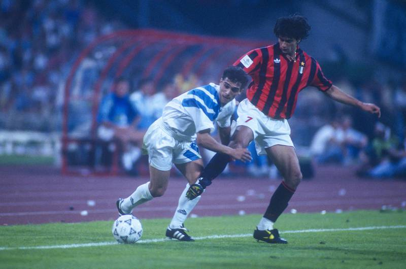 Marseille's Jean-Jacques Eydelie battling Milan AC's Gianluigi Lentini during the Champions's League Final soccer match, Marseille vs Milan A.C. in Stade Olympique, Munich, Germany on May 26th, 1993. Marseille won 1-0. Photo by Henri Szwarc/ABACAPRESS.COMNo Use France Digital. No Use France Print.
