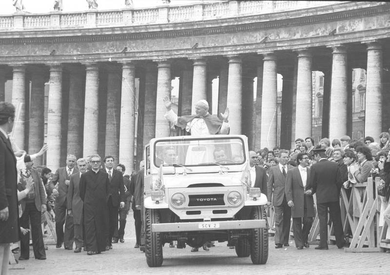 Pope John Paul II greets people at the Vatican City in 1979. (Photo by Archivio Cicconi/Getty Images)