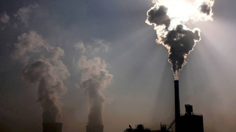 An image that illustrates this article China's new climate plan criticised as 'unambitious'
