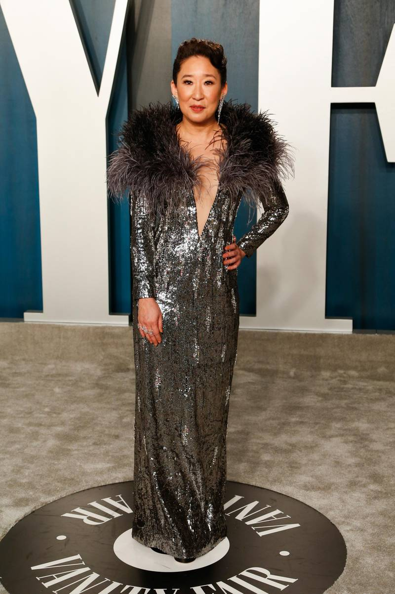 epa08208681 Sandra Oh attends the 2020 Vanity Fair Oscar Party following the 92nd annual Academy Awards ceremony, in Beverly Hills, California, USA, 09 February 2020. The Oscars were presented for outstanding individual or collective efforts in filmmaking in 24 categories.  EPA-EFE/RINGO CHIU