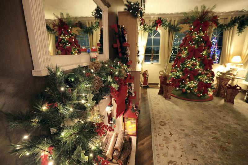 Dubai, United Arab Emirates - December 08, 2020: Christmas. Festive decorations by UAE residents. Lucy Gregory's house. Tuesday, December 8th, 2020 in Dubai. Chris Whiteoak / The National