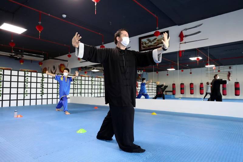 Dubai, United Arab Emirates - Reporter: Sarwat Nasir. Lifestyle. Martial arts and Tai Chi instructor John Duval during a Tai Chi session. Tuesday, February 2nd, 2021. Dubai. Chris Whiteoak / The National