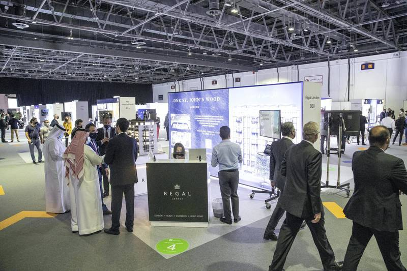 DUBAI UNITED ARAB EMIRATES. 16 NOVEMBER 2020. 2020 Cityscape Exhibition at the Dubai Trade Center. A significantly more dedicated event this year with smalled stands and more focused participation from market participants. (Photo: Antonie Robertson/The National) Journalist: Sarmad Khan. Section: National.