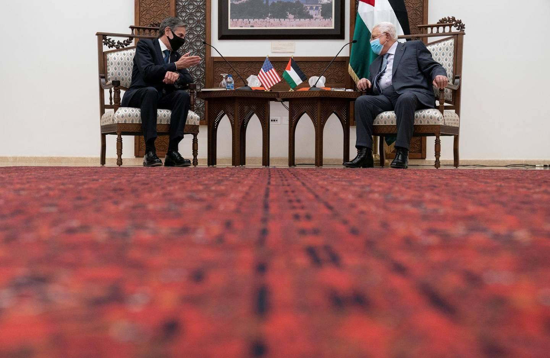 U.S. Secretary of State Antony Blinken speaks with Palestinian President Mahmoud Abbas, in West Bank city of Ramallah, May 25, 2021. Alex Brandon/Pool via REUTERS