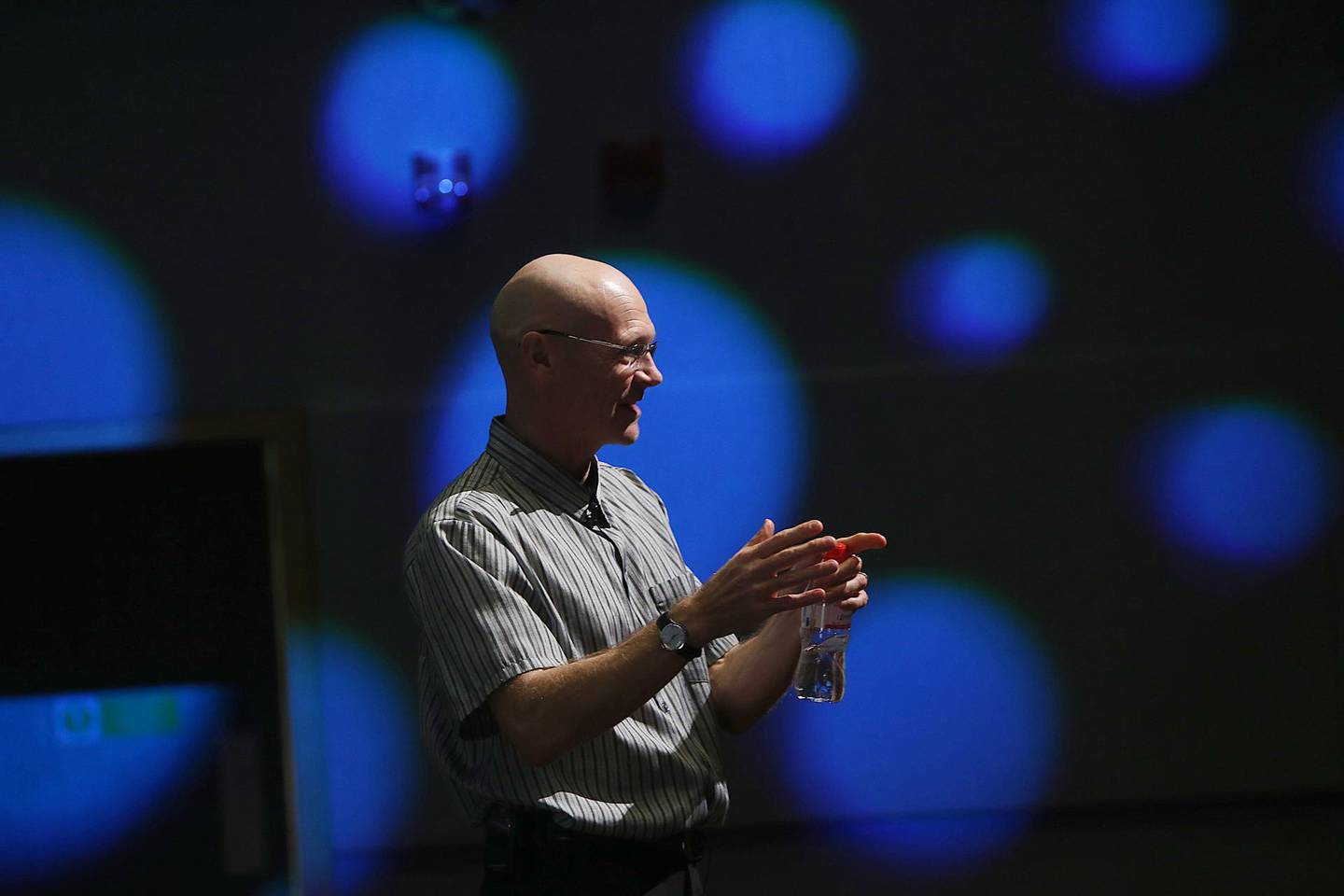 Abu Dhabi, 06 February, 2017:  Andrew Hallam  author of Millionaire Teacher gestures during the session at the Cranleigh School in Abu Dhabi . ( Satish Kumar / The National )   ID No: 85524 Section: Business Reporter: Suzanne Locke *** Local Caption ***  SK-AndrewHallam-06022017-04.jpg