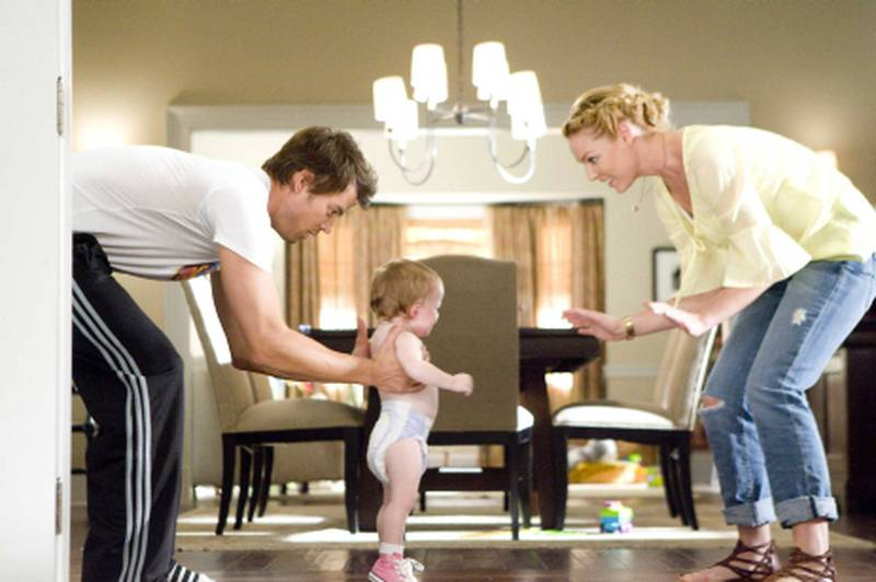 LAWD-02784 (L-r) JOSH DUHAMEL as Eric Messer and KATHERINE HEIGL as Holly Berenson in Warner Bros. PicturesÕ and Village Roadshow PicturesÕ romantic comedy ÒLIFE AS WE KNOW IT,Ó a Warner Bros. Pictures release.