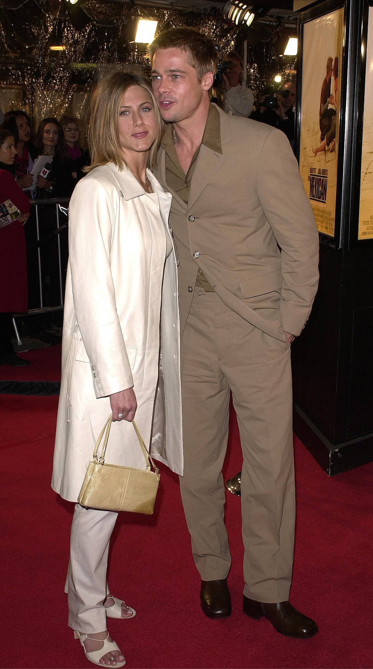 """385802 20: Actors Brad Pitt and wife Jennifer Aniston arrive for the premiere of """"The Mexican"""" February 23, 2001 in Westwood, CA. (Photo by Vince Bucci/Newsmakers)"""