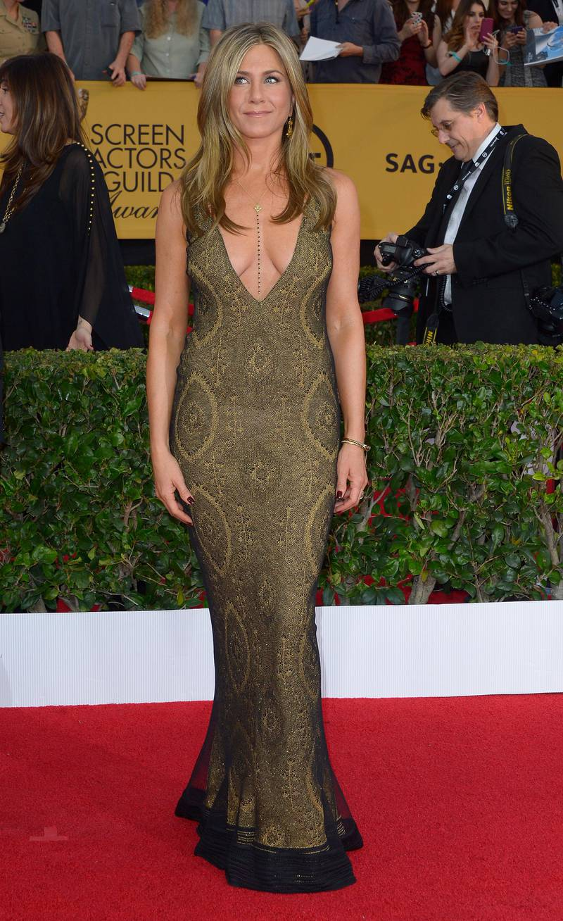 epa04584872 US actress Jennifer Aniston arrives at the 21st annual Screen Actors Guild Awards ceremony at the Shrine Auditorium in Los Angeles, California, USA, 25 January 2015.  EPA/PAUL BUCK