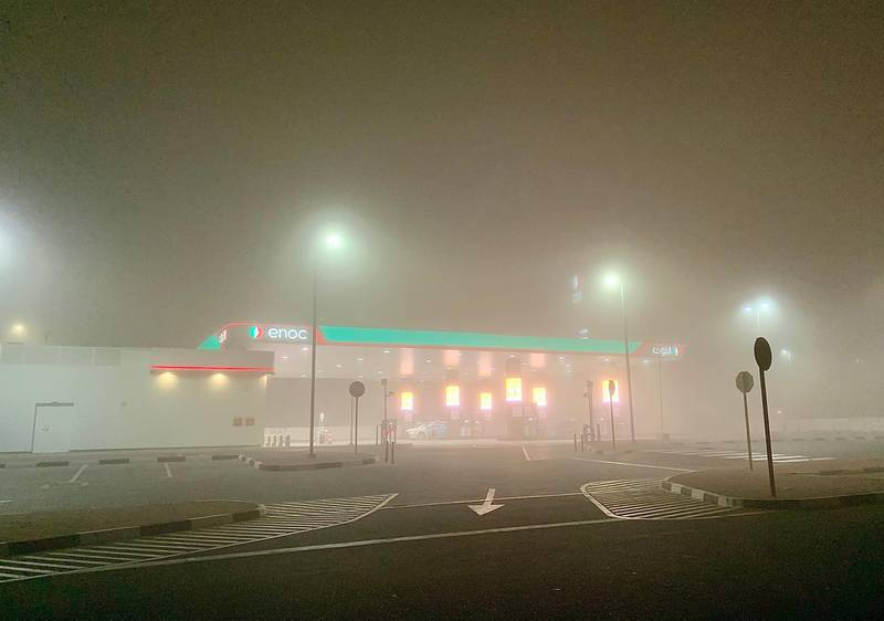 DUBAI, UNITED ARAB EMIRATES , January 19– View of the early morning fog from 2:30 am to 5 am around Al Furjan and Discovery Gardens area in Dubai. (Pawan Singh / The Nationals) For News/Stock/Online/Instagram/Standalone/Big Picture.
