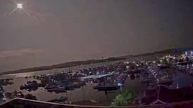 Large, rumbling meteor lights up Norwegian night sky