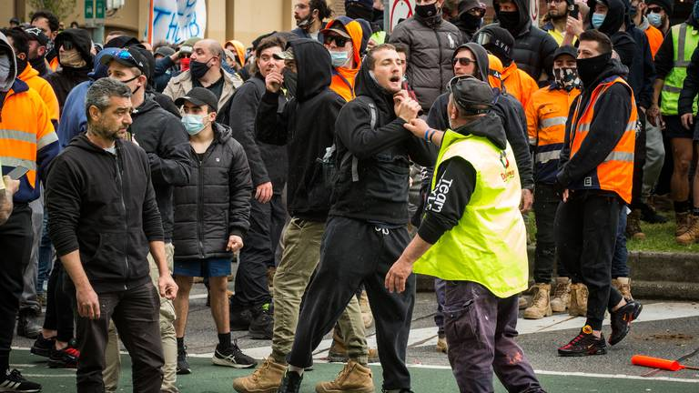 An image that illustrates this article Coronavirus latest: Melbourne anti-vaccine protests turn violent