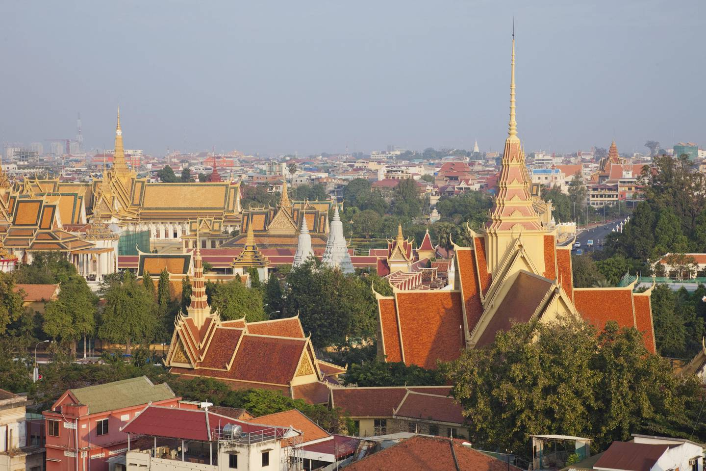 JAGXT6 Cambodia,Phnom Penh,town overview. mauritius images GmbH / Alamy Stock Photo
