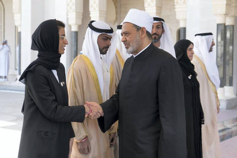 ABU DHABI, UNITED ARAB EMIRATES - February 05, 2019: Day three of the UAE Papal visit - HE Noura Mohamed Al Kaabi, UAE Minister of Culture and Knowledge Development (L), bids farewell to His Eminence Dr Ahmad Al Tayyeb, Grand Imam of the Al Azhar Al Sharif (R), at the Presidential Airport.    ( Rashed Al Mansoori / Ministry of Presidential Affairs ) ---