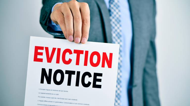 An image that illustrates this article Can a landlord serve an eviction notice before tenancy expires?