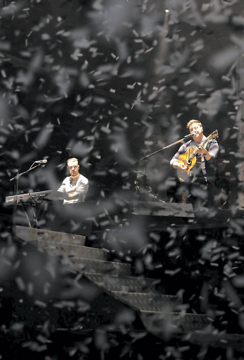 ABU DHABI , UNITED ARAB EMIRATES , NOV 25   – 2017 :- Mumford and Sons performing at the Du Arena in Abu Dhabi.  (Pawan Singh / The National) Story by Saeed Saeed