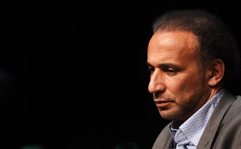 """(FILES) In this file photo taken on March 26, 2016, Swiss Islamologist Tariq Ramadan takes part in a conference on the theme """"Live together"""", in Bordeaux. / AFP / MEHDI FEDOUACH"""