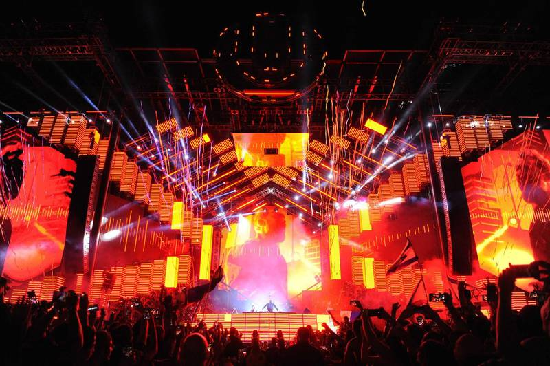 MIAMI, FL - MARCH 25:  David Guetta performs on stage at Ultra Music Festival at Bayfront Park on March 25, 2018 in Miami, Florida.  (Photo by Sergi Alexander/Getty Images)
