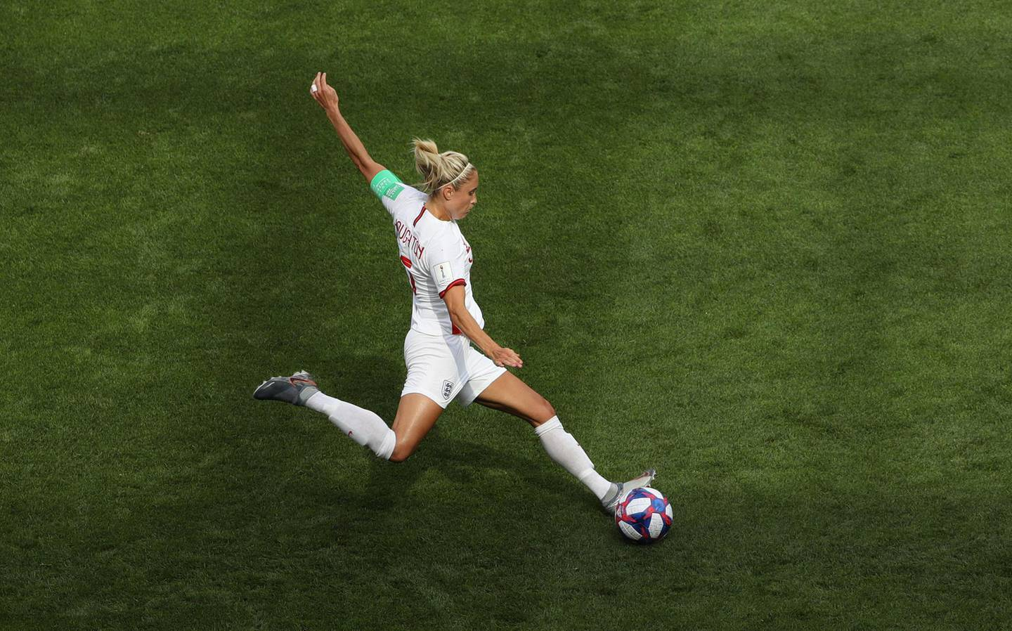 VALENCIENNES, FRANCE - JUNE 23: Steph Houghton of England in action during the 2019 FIFA Women's World Cup France Round Of 16 match between England and Cameroon at Stade du Hainaut on June 23, 2019 in Valenciennes, France. (Photo by Robert Cianflone/Getty Images)