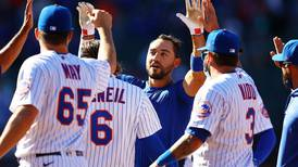 MLB roundup: Mets claim controversial walk-off win; Lance Lynn leads White Sox to shutout of Royals