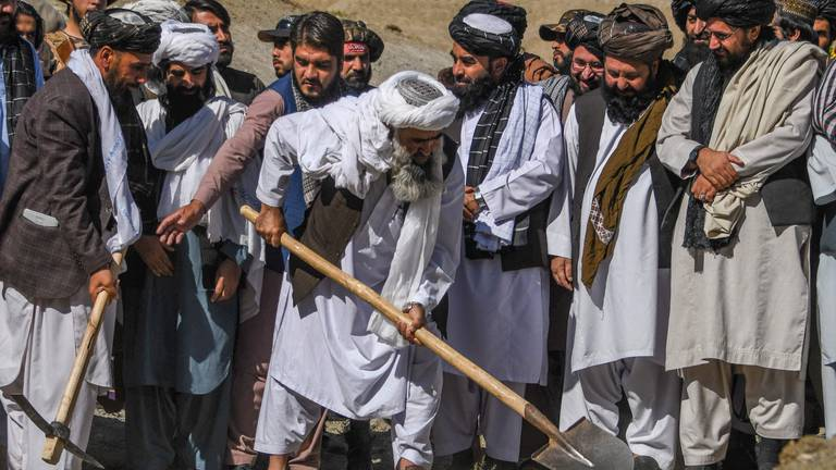 An image that illustrates this article Afghans face hunger crisis two months after Taliban takeover