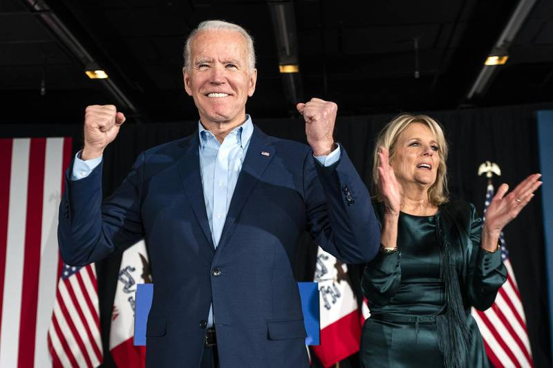epa08191402 Former Vice President Joe Biden (L), alongside his wife Jill Biden (R), greets supporters during his Iowa caucus night watch party in Des Moines, Iowa, USA, 03 February 2020. The Iowa Caucus is the first in the nation for the 2020 presidential elections.  EPA-EFE/JIM LO SCALZO