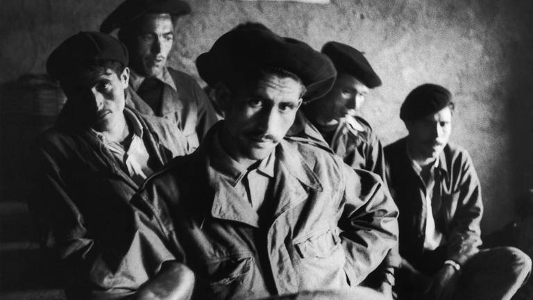 An image that illustrates this article France apologises for 'failure of duty' to Harki fighters after Algerian War