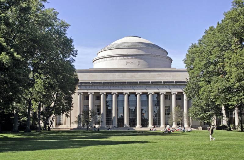 BHFT2H Students on campus at MIT Cambridge MA