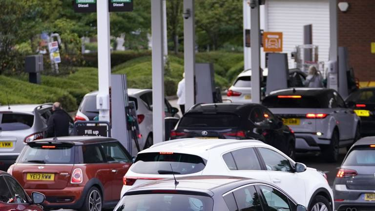An image that illustrates this article UK Prime Minister Boris Johnson may call in army to help tackle fuel shortages