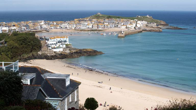 An image that illustrates this article UK house prices rocket 25% in tourist hotspots