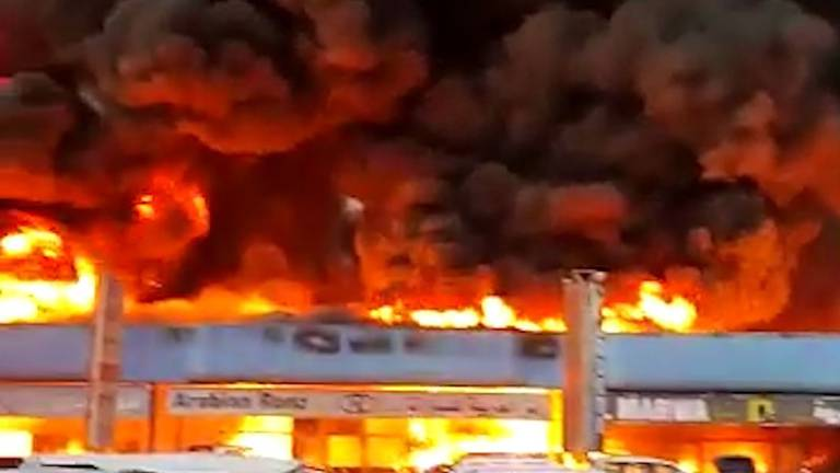 An image that illustrates this article Fire breaks out at Dubai car showroom complex