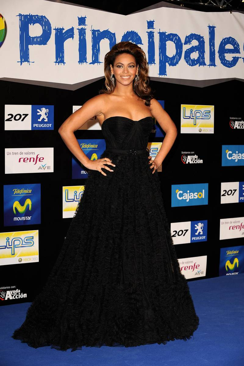 MADRID, SPAIN - DECEMBER 12:  Singer Beyonce Knowles attends the 40 Principales Awards 2008 at Palacio de los Deportes on December 12, 2008 in Madrid, Spain.  (Photo by Carlos Alvarez/Getty Images)