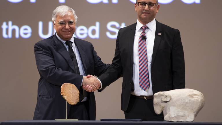 An image that illustrates this article US returns ancient Gilgamesh tablet to Iraq