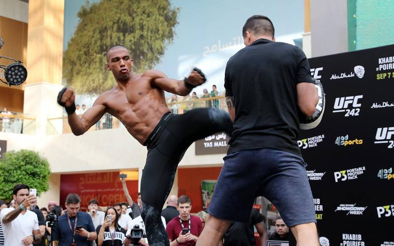 ABU DHABI ,  UNITED ARAB EMIRATES , SEPTEMBER 4 – 2019 :- Edson Barboza during the UFC Open Workout session held at The Yas Mall in Abu Dhabi. ( Pawan Singh / The National ) For Sports/Online/Instagram. Story by John