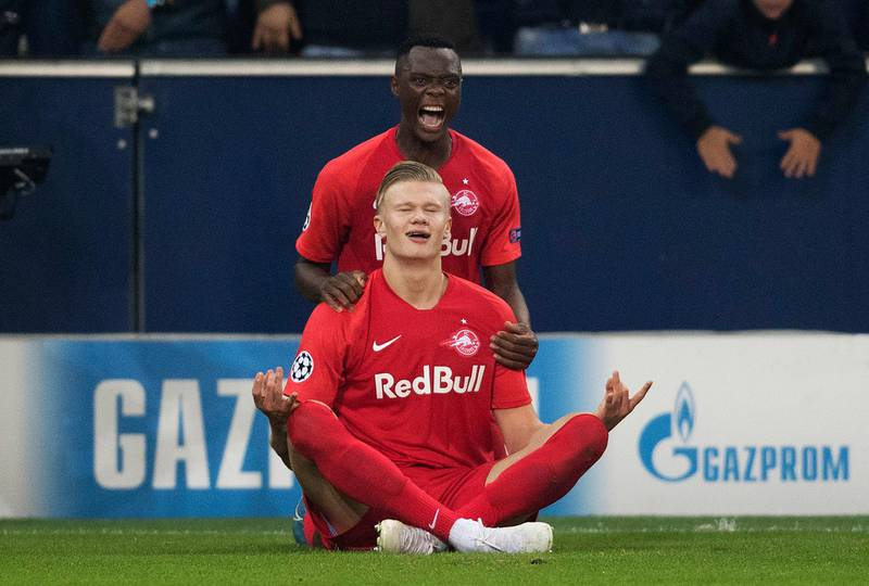 SALZBURG, AUSTRIA - OCTOBER 23: Erling Haland of FC Salzburg (front) celebrates with his teammate Patson Daka of FC Salzburg (back) after scoring on the goal for 1:1 during the champions league group E match between FC Salzburg and SSC Napoli at Salzburg Stadion on October 23, 2019 in Salzburg, Austria. (Photo by Andreas Schaad/Bongarts/Getty Images)
