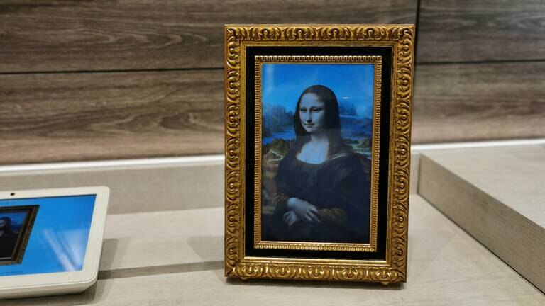 An image that illustrates this article Da Vinci's 'Mona Lisa' comes to life at French Tech Corner in Dubai