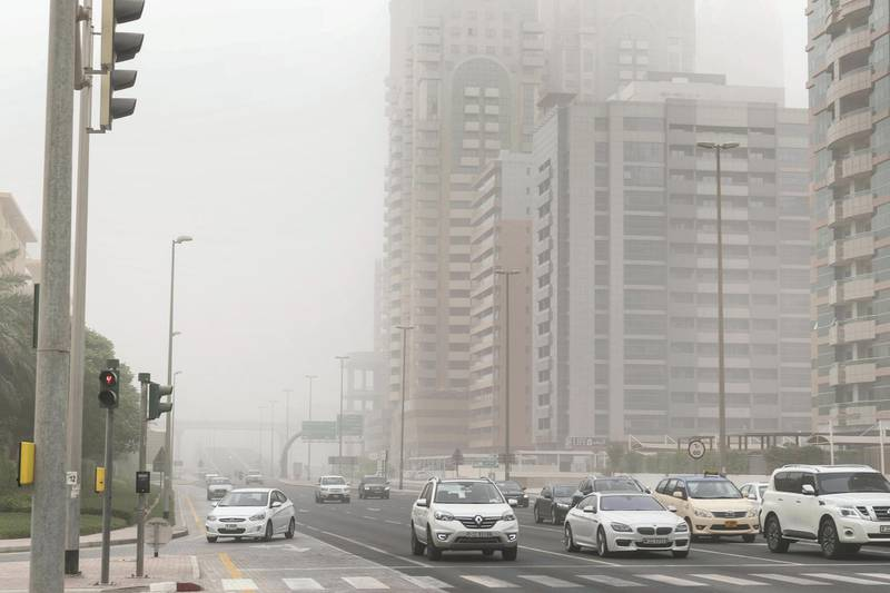 DUBAI, UNITED ARAB EMIRATES. 06 JULY 2018. Sand storm in Dubai with low visibility. (Photo: Antonie Robertson/The National) Journalist: None. Section: National.