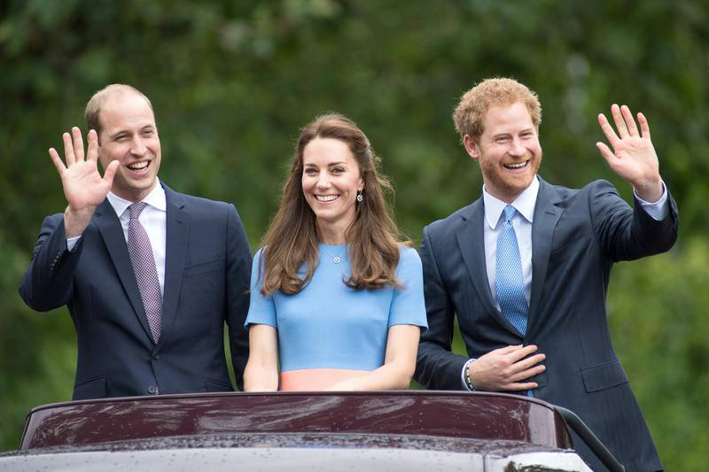 """LONDON, ENGLAND - JUNE 12:  (L-R) Prince William, Duke of Cambridge, Catherine, Duchess of Cambridge and Prince Harry during """"The Patron's Lunch"""" celebrations for The Queen's 90th birthday at The Mall on June 12, 2016 in London, England.  (Photo by Jeff Spicer/Getty Images)"""