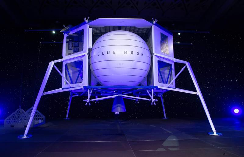 TOPSHOT - Blue Moon, a lunar landing vehicle, is seen after being announced by Amazon CEO Jeff Bezos during a Blue Origin event in Washington, DC, May 9, 2019. / AFP / SAUL LOEB