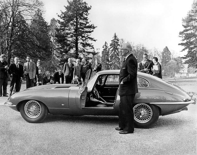 Jaguar founder Sir William Lyons presents E-type '9600HP' to invited media at the Parc des Eaux Vives, Geneva in 1961. Courtesy JDHT