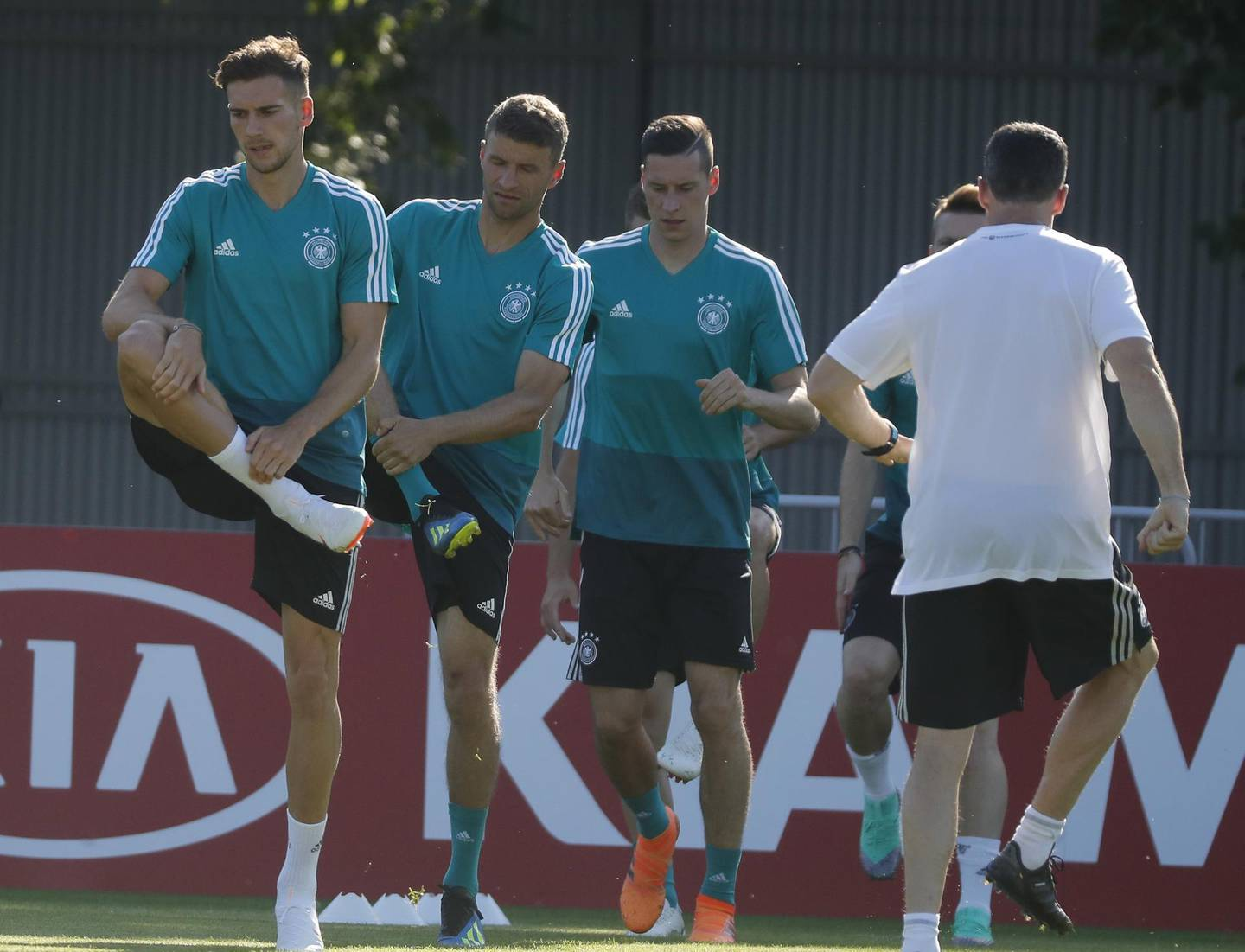 epa06813744 Germany's players attend a training session in Vatutinki sport base outside Moscow, Russia, 16 June 2018. Germany will face Mexico in the FIFA World Cup 2018 Group F preliminary round soccer match on 17 June 2018.  EPA/SERGEI ILNITSKY EDITORIAL USE ONLY  EDITORIAL USE ONLY