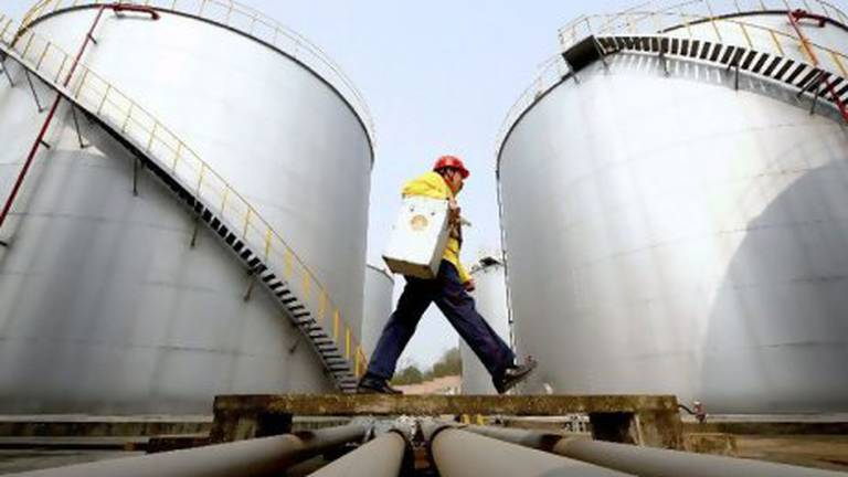 An image that illustrates this article Saudi Arabia's SIIG and Petrochem in merger talks
