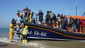 France rebuffs British 'push back' plans for migrant boats